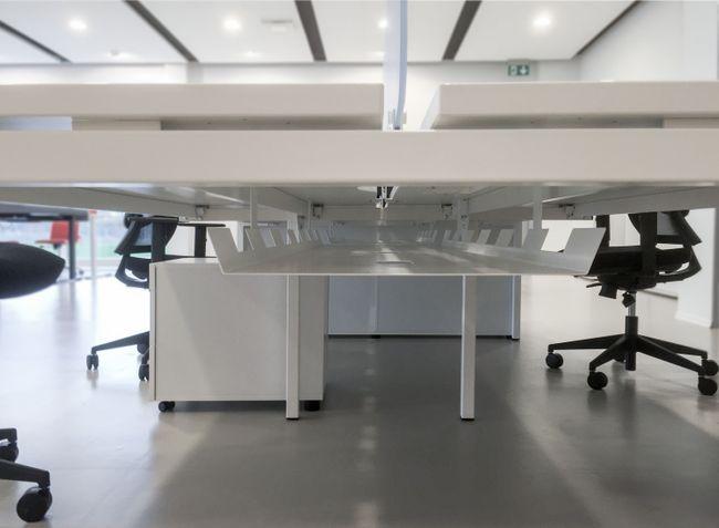 4er Team-Schreibtisch NOVA U 3.200 x 1.640 mm Ahorn – Bild 4