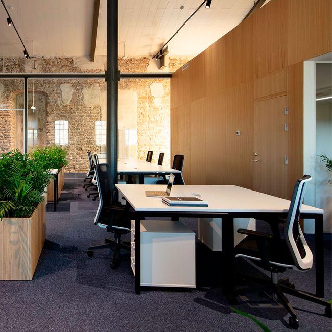 WIND Bürodrehstuhl | Netzrücken dunkelblau, Sitzfläche schwarz