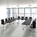 Klapptisch rollbar von WeberBÜRO – eine flexible Alternative im Konferenzraum