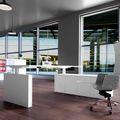 MOTION Schreibtisch mit Sideboard | Elektrisch höhenverstellbar, 2000 x 1800 mm, Weiß